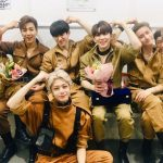 """MONSTA X、「ミュージックバンク」初1位の記念写真公開…"""" MONBEBE(ファン)、愛してる"""""""