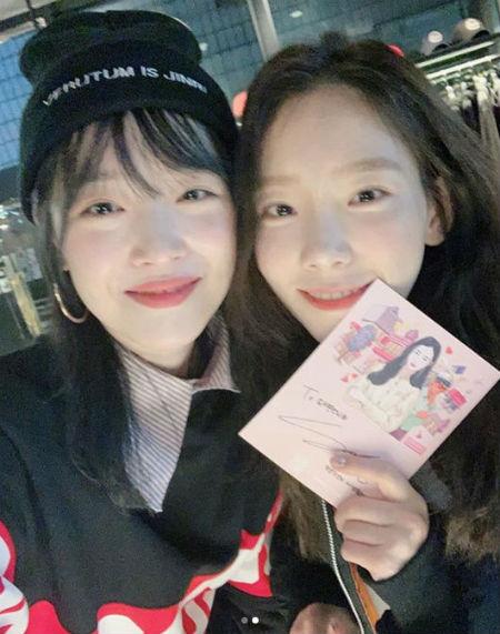 ソルリ、「少女時代」テヨン×「Red Velvet」ウェンディの応援に感動