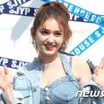 JYP離れYG傘下に所属したチョン・ソミ、来年3月ソロデビューへ…アルバム制作中