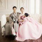 """俳優イ・ドンゴン、チョ・ユニ夫婦、""""娘ロアの写真公開は望まない…協力してください""""「全文」"""