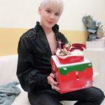 """キム・ジュンス、ミュージカルの扮装でケーキをプレゼント…""""クリスマスプレゼントのようなミュージカル"""""""