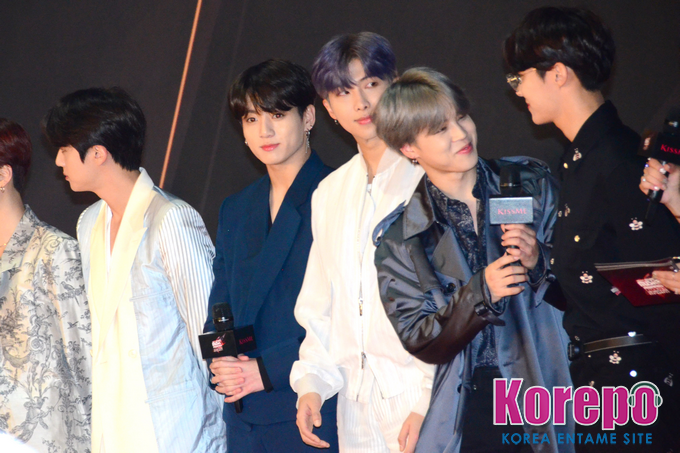 bts ウインク