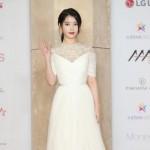 歌手IU、祖父母と暮らす学生や障害児のために1億ウォンを寄付