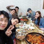 【トピック】SEHUN(EXO)、イ・スンギ&パク・ミニョン&アン・ジェウクら豪華メンバーとの会食現場を公開