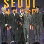 """「ソウル歌謡大賞」iKON、「最高音源賞」受賞…""""この愛をみなさんに返したい"""""""