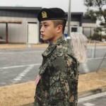 """【トピック】軍服務中の俳優キム・ミンソク、""""リアル太陽の末裔""""の姿で違和感なしと話題"""