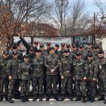 """""""除隊""""俳優チュウォン、白骨部隊の仲間と最後に撮った団体写真公開「ありがとう」"""