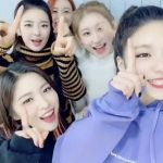 パク・チニョン、「ITZY」デビュー後初の1位をお祝い!