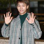 「PHOTO@金浦」VIXXエン、笑顔で朝のあいさつ…日本でのスケジュールのために韓国出国