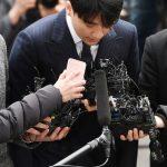「PHOTO@ソウル」BIGBANG V.I、頭を下げて警察庁出頭