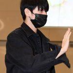 「PHOTO@仁川」Wanna One出身オン・ソンウ、シックなオールブラックで…ファンミを終えて韓国帰国