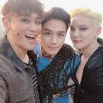 """<トレンドブログ>歌手キム・ジュンス、カン・ホンソク、ソン・ジュノと和気あいあいのワンカット…""""シアトートは地方公演中"""""""