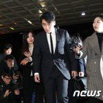 "V.I(BIGBANG)の性接待裏付ける""カカオトーク原本""確保に至らず…必要時は追加召喚=警察"