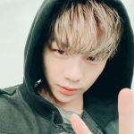 """Wanna One出身カン・ダニエル、所属事務所との紛争にファンからの応援と激励のメッセージ…""""待ちます。がんばって"""""""