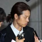 違法撮影認めた歌手チョン・ジュンヨンと「アリーナ」元職員、逮捕状申請