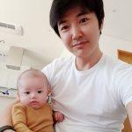俳優ユン・サンヒョン、そっくりの末っ子とファンに挨拶