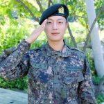 ユン・ドゥジュン(Highlight)、模範的な軍服務で3か月はやい「上等兵」進級