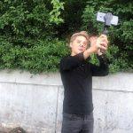 キム・ジュンス、ミュージカル「エクスカリバー」練習室出勤途中にサプライズ放送…ファン、感激!!