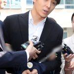 """""""集団性的暴行容疑""""チェ・ジョンフン(元FT)らグループチャットメンバー5人、検察に送致"""