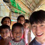 俳優チョン・ウソン、バングラデシュ難民キャンプを再訪問