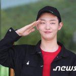 """""""入隊""""ユン・ジソン(元Wanna One)、「軍生活、健康が重要…行ってきます」"""