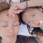 """矢野志保×サランちゃん、美人親子の日常公開!""""いつだってユニークで個性的。そして、いつだって変顔好き。笑いは、世界を救う….よ"""""""