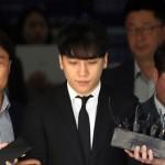 【速報】V.I(元BIGBANG)、2時間40分にわたる逮捕状審査終え留置所へ…身体には捕縄