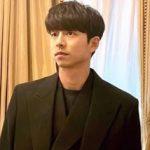 俳優コン・ユ、パリでの近況公開… 輝くアウラ
