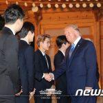 「EXO」、訪韓のトランプ大統領&イヴァンカ氏とあいさつ