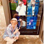 """FTISLANDイ・ホンギ、メンバーのポスターと共に記念撮影…""""ありがとうございます"""""""