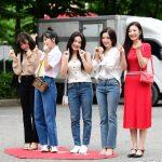 「PHOTO@ソウル」Red Velvet「愛らしい微笑の女神たち」