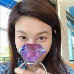 <トレンドブログ>キム・ハヌル、大きな指輪を持ってカシャッ… 隠せない童顔美貌!!
