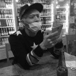 歌手IUの「憂鬱時計」、故SHINeeジョンヒョンのガイドバージョンをサプライズで公開…ファンに対する小さな慰労