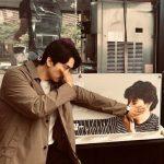 """<トレンドブログ> ソン・スンホン、イ・ビョンホンのコーヒーカープレゼントを認証""""ユジン・チョイの応援に涙"""""""