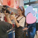 ソヒョン(少女時代)、カフェで一日アルバイトの様子を公開