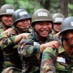 「コラム」韓流スターはどんな新兵訓練を受けるのか4/チームワークが大切
