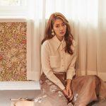 女優パク・シネ、女性らしさの頂点.. 優雅で知的な女性たちのサロン文化を表現
