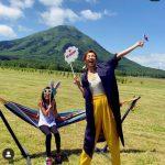 SHIHO&サランちゃん美人親子で、北海道、初のアスパラ採り体験!心も体もリフレッシュ