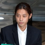 集団性暴行容疑を否認の歌手チョン・ジュンヨン、カカオトークは「違法収拾」として証拠能力「なし」を主張