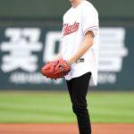 「PHOTO@釜山」歌手カン・ダニエル、韓国野球「2019 新韓銀行 MY CAR KBOリーグ」始球式に登場
