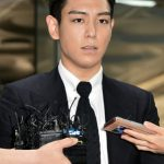 """""""本日除隊""""T.O.P(BIGBANG)、服務終了後はコメントなく帰宅予定"""
