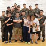 SHINeeオンユ&キー、INFINITEソンギュにEXOシウミンら…軍人スターたちが一堂に