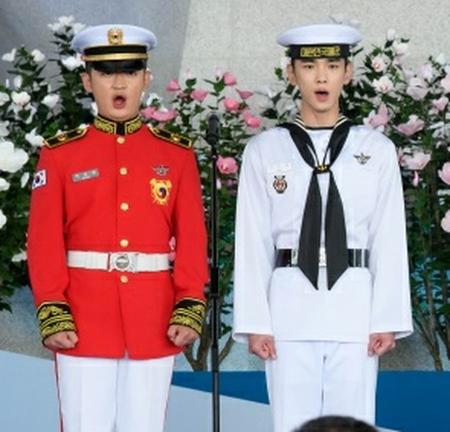 【トピック】「SHINee」キー&「BTOB」チャンソプ、第74周年光復節を迎え国歌斉唱