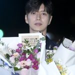 「PHOTO@ ソウル」俳優パク・ヘジン、花を持ったイケメン…ドラマ「シークレット(仮題)」の撮影終了パーティーに出席
