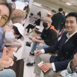 SUPER JUNIOR、日本でのコンサート「SM TOWN LIVE 2019 IN TOKYO」を終えて空港で記念撮影