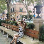 """ジェシカ、スペインの街並みに溶け込む「Sライン」…""""絵画""""のよう"""