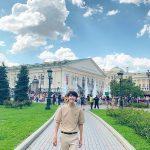 グァンヒ(ZE:A)、モスクワで観光地を旅行…スラリとしたビジュアルと笑顔で認証ショット