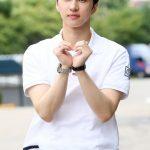 「PHOTO@ソウル」VIXXケン、 真っ白なシャツでいっそうさわやか…バラエティ番組「happy together4」の収録に参加