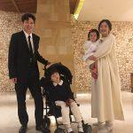 【トピック】ポン・テギュ、スタイリッシュな家族写真が話題