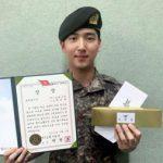現役入隊したチャ・ソヌ(元B1A4/BARO)、1等で訓練所修了